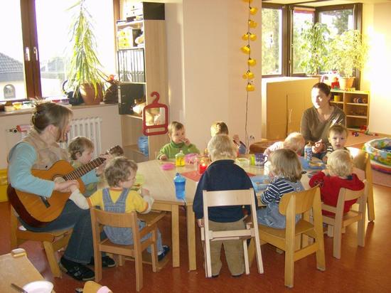 Kindertagesst tten der stadt obernburg kleine strolche for Kleine esstisch gruppe